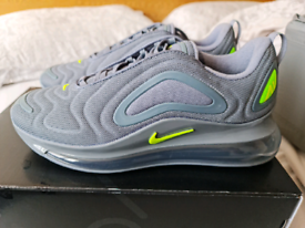 BRAND NEW NIKE AIR MAX 720 SIZE 8.5
