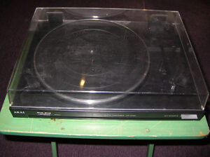 Akai Turntable AP-A100 Made in Japan No Belt