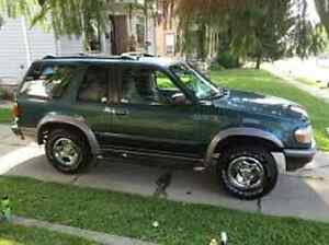 FORD EXPLORER 1997 4X4 ****PARTS OUT****