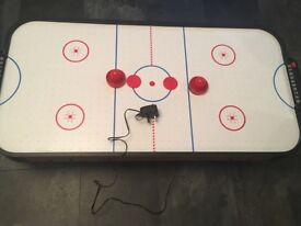 Toy air hockey table - electronic