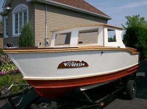 bateaux de bois,,chaloupe,,,bateaux,,véhicule marin