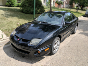 2001 Pontiac Sunfire only 104000km! Safetied! Clean title!