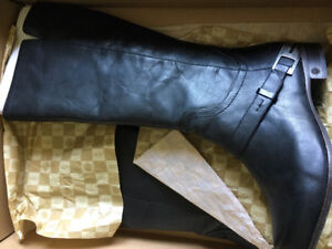 Ugg leather boots - size 9