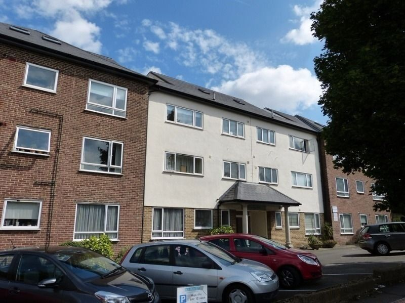 Spacious 3 Double Bedroom Located In A Secure Development Minutes From Hendon Station Available!