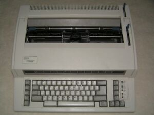 IBM (Lexmark) Wheelwriter 1000 Electric Typewriter
