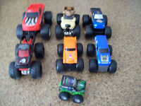 Lot de 7 Monster Truck en excellente condition!!!