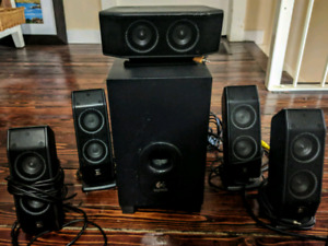 Logitech X540 Computer Speakers - 5.1 Surround Sound - Subwoofer