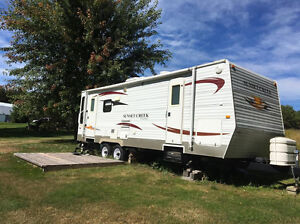 Reduced price!  2010 Sunset Creek! Great Family Trailer!