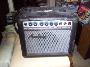 GUITAR AMPLIFIER SMALL