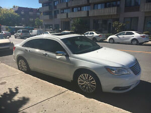 NEW PRICE !!!!!! 2011 Chrysler 200
