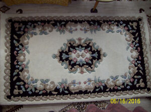 Made in India, Floral Aubusson Wool 5 X 3 Rug Stratford Kitchener Area image 1