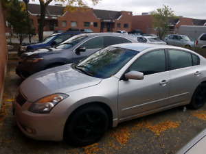 I'm selling my 2009 Nissan Altima come whit safety and retested