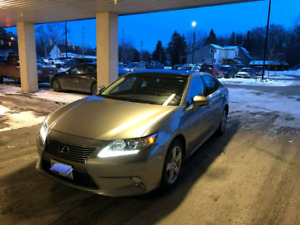 2015 Lexus ES 350- Great conditions-Original winter tires on rim