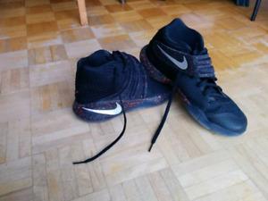 Souliers de basketball Nike unisexes