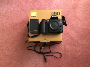 Nikon D90 DSLR + AF-S DX 18-55mm f/3.5-5.6G VR in mint state