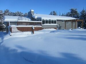 5 BDRM HOME 10 ACRES IN THE CITY