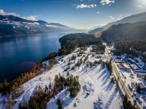 1.5 Acres Minutes South of Kaslo BC!