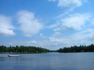 Last minute deal July 2-9th Harris Lake Parry Sound Lakefront