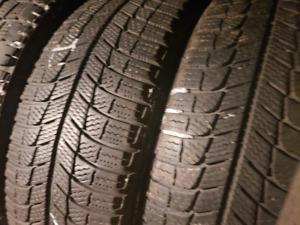 205/55/16 Michelin x ice pratiquement neuf 200$