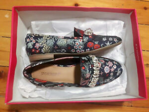Shoedazzle Cathleen Flat - Size 7.5 - Brand New, Never Worn