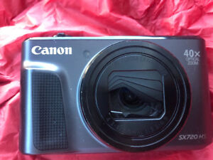 Canon PowerShot 40x zoom.  For sale.