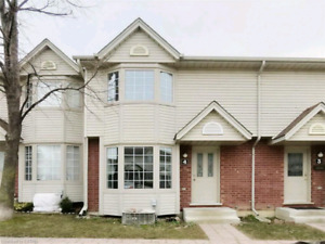 3 Bed 2.5 Bath Townhouse Available June 1st Family/Professional