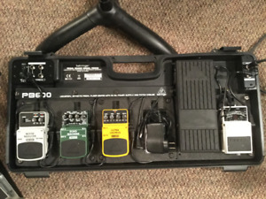 Behringer Universal Pedal Board w/Power Supply - PB600