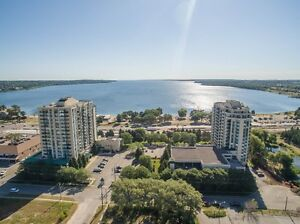 Beautiful 1 Bed, 1 Bath Condo with View of Kempenfelt Bay.
