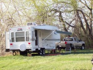 For Quick Sale. 2002 Layton Scout 27.5 Fifth Wheel