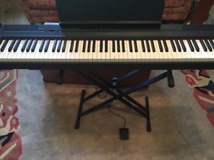 Yamaha P 105 B Electric Piano with Weighted Keys For Sale!