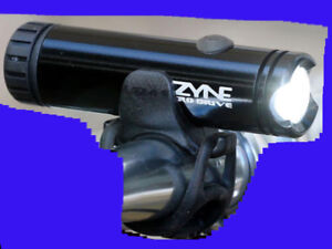 LIKE NEW Lezyne Macro Drive cycling light