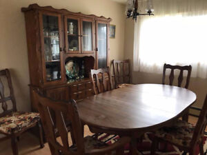Dining Room Table & Hutch
