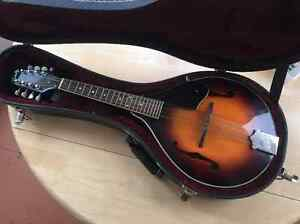 Mandolin  - Kentucy A Model 140 with case