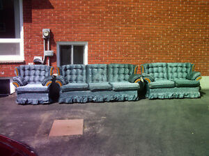 GREEN,SOFA,LOVE SEAT&CHAIR SET,FOAM CUSHIONS,BACKING,4LEGS,IDLVR