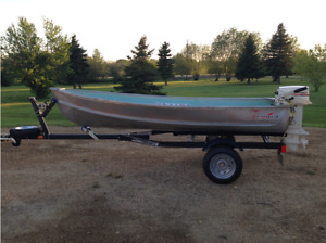 1983 12' Vanguard Fishing Boat with Johnson 9.9HP