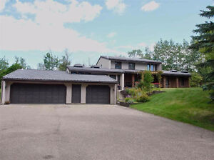 Executive Acreage / House for Rent - 1min south of Sherwood Park