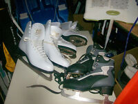 2 PAIRS OF WOMAN WHITE SKATES SIZE 9 AND ONE PAIR OF 5