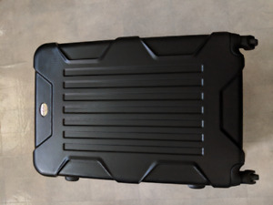 28 inch Outbound upright spinner suitcase