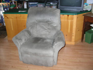 Franklin recliner (living room chair)