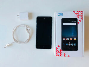 "ZTE Grand X4 cellphone 5.5"" screen  (freedom mobile)"