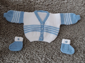 New hand knitted baby clothes