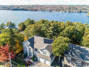 Stunning Home in Picturesque Bedford Village!