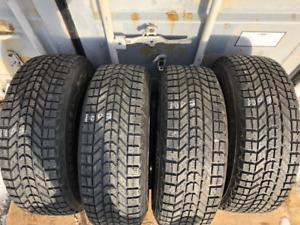 4 pneus hivers 235/70R16 Firestone Winterforce