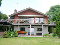 BEATUIFUL LAKE SIMCOE WATERFRONT PROPERTY!