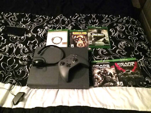 XBOX ONE S, CONTROLLER, MIC, 5 GAMES