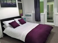 Large Double En-Suite Room with Lots of Space