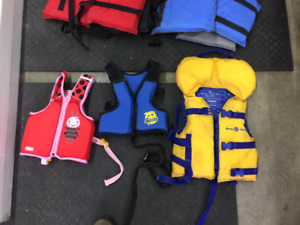 life jackets for boating / wakeboarding / skiing