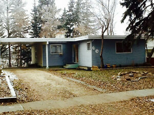 3 Bedroom Bungalow backing onto Forest & Parkspace in St. Albert