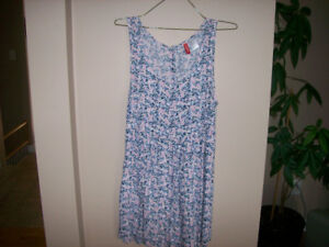 H&M Cute Floral Sun Dress With Button up Back