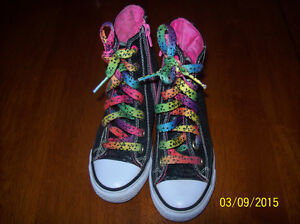 Girls Wedge Sketchers Sneakers Size 12 **GREAT CONDITION**